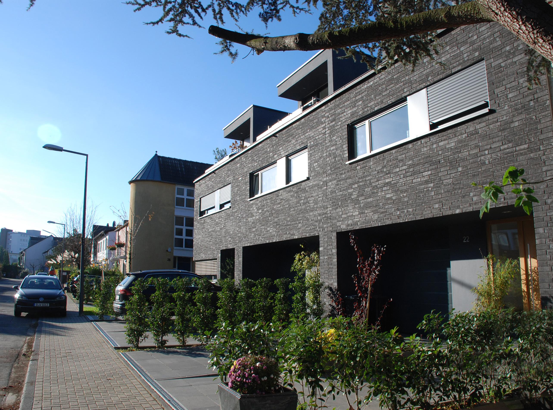 Neubau von drei Einfamilienhäusern